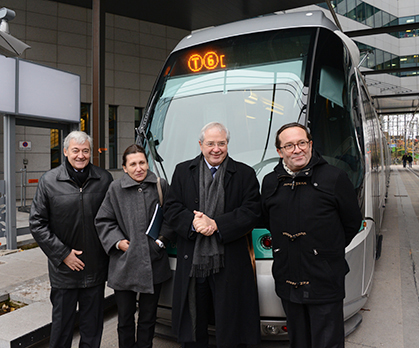 Pierre Mongin (p.-d.g. RATP), Sophie Mougard (d.g. Stif), Jean-Paul Huchon (président Ile-de-France et Stif), Pierre Bédier (président C.G. Yvelines) au départ du T6 à Châtillon-Montrouge.