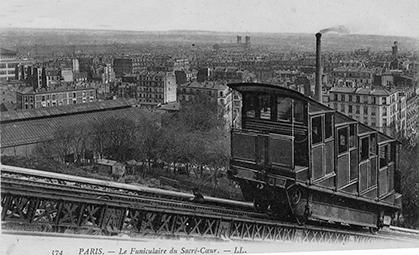 Le premier funiculaire. A la suite du succès, du petit train Decauville, lors de l'exposition universelle de 1889, le ministère des transports permit que de telles structures se fassent sans autorisation. On comprend que la construction ait débutée avant la signature du contrat.