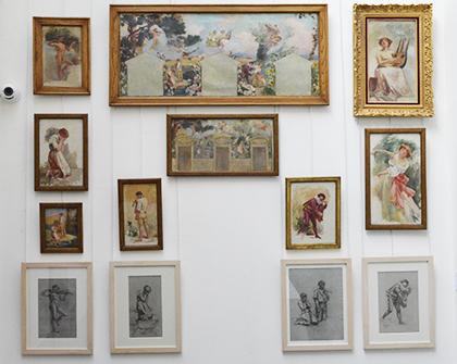Esquisses, dessins, peintures préparatoires pour les éléments d'un des murs, avec trois portes, du grand foyer de l'Opéra-Comique. Ses thèmes traités sont : la musique, le théâtre et le chant. à gauche les Noces de Jeannette; à droite, Zampa ou la Fiancée de marbre.
