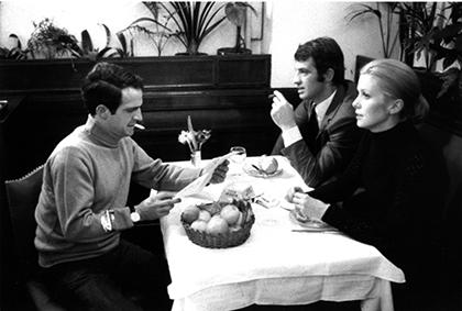 """Tournage du film """"La Sirène du Mississipi"""" de François Truffaut, Février 1969. Restaurant à Paris"""