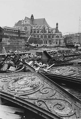 Démolition des pavillons Baltard en 1973