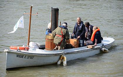 La Vigie sur la Seine, le 4 juin 2013 avant de rejoindre le bassin de l'Arsenal.