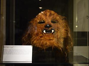 Reconstitution du masque de « La Bête » porté par Jean Marais.