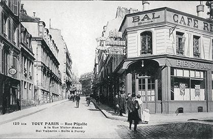 La Boîte à Fursy rue de Clichy, a remplacé le Tréteau de Tabarin et a  pour voisin le Bal Tabarin, dont l'entrée principale est rue Victor-Massé.