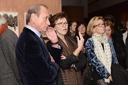 Bertrand Delanoë, Maire de Paris, Emmanuelle Toulet, directrice de la BHVP et Danièle Pourtaud, adjointe au Maire de Paris, chargée du Patrimoine.