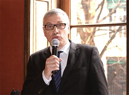 Pascal Fulacher, conservateur du Musée des Lettres et Manuscrits.