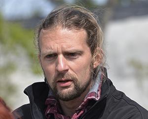Alexis Lécu directeur scientifique et vétérinaire du zoo a fait son stage de fin d'études en 1996 à Vincennes. Il est président de l'association francophone des vétérinaires de parcs zoologiques.