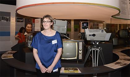 Céline Daridan du département Expositions du Musée des arts et métiers a rédigé et illustré les informations techniques qui accompagnent les équipements présentés.