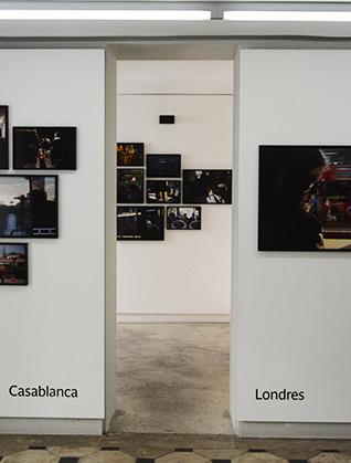 A la Magnum Gallery.