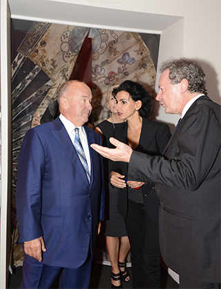 Visite de l'exposition conduite par Jean-Pierre Guéno directeur de l'Institut des Lettres et Manuscrits.