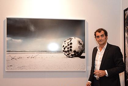 White Planet, février 2014 (100x150 cm) de Thierry Konarzewski.