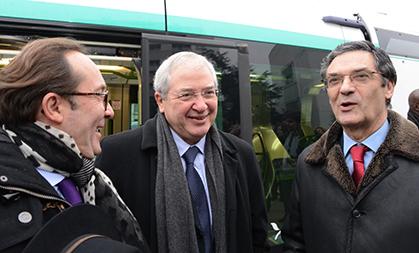 A la station Georges Pompidou, trois des partenaires du projet sous le feu des questions : Pierre Bédier, Jean-Pierre Huchon et Patrick Devedjian.