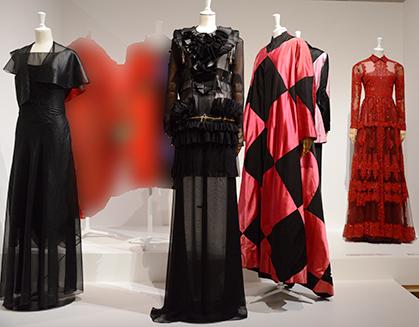 voici l'école italienne avec Véra Boréa, Givenchy et Elsa Schiaparelli.