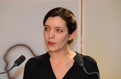 Charlène Dinhut, chargée de la programmation de Hors Pistes.