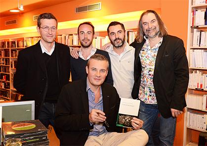 autour d'Emmanuel, pour les éditions Le Passage Yan Briand et Vincent Eudeline, Alex Mene (Hugin e Munin), et le libraire Olivier Renault.