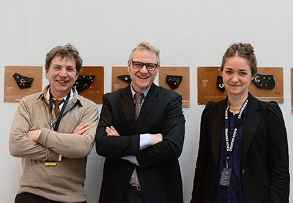 L'artiste Philippe Favier, l'éditeur Bernard Chauveau et l'assistante d'édition Marine Favier.