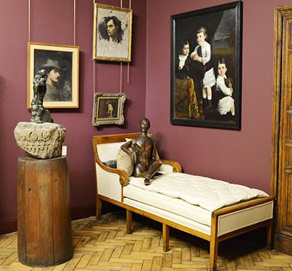 Un mannequin était installé dans l'atelier de peinture de Bourdelle où il recevait ses visiteurs. Il a été rénové et restitué d'après des documents d'époques.