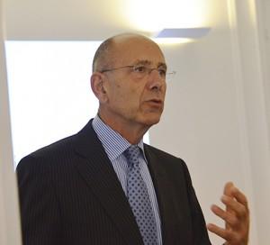 """l'ambassadeur du Royaume des Pays-Bas Ed Kronenburg a souligné que """"l'Atelier néerlandais a été créé pour offrir plus de visibilité à l'Institut."""