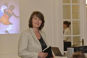Marieke Wiegel, chargée des expositions du musée de la photo de Rotterdam est venue à Paris afin de présenter le travail de Viviane Sassen.