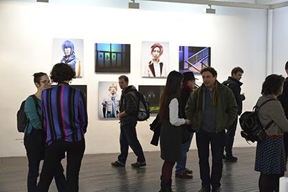 """En 2014, la série Cosplay (2012-2014) de Denis Rouvre a inspiré Steven Daniel qui a créé des décors pour les """"cosplayers""""."""