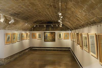 La galerie au sous-sol est consacrée aux travaux préparatoires pour la chapelle Notre Dame de Consolation.
