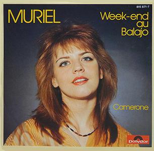 Muriel en 1982 choisit de chanter accompagnée à l'accordéon.