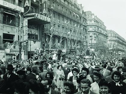 Paris est dans les rues, enfin libre (coll.privée)
