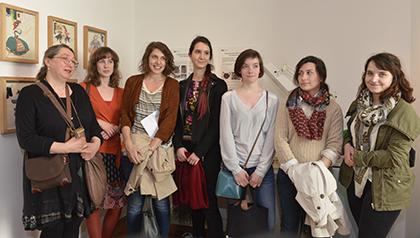 Les jeunes élèves restauratrice et leur enseignante Patricia Dal-Pra.