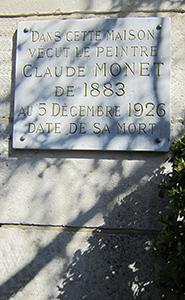 Plaque à l'entrée du clos normand, maison atelier de Claude Monet à Giverny.