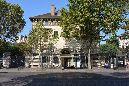 Le bâtiment ouest abritera le musée qui va quitter en 2019, la dalle au-dessus de la gare Montparnasse. (Photo : D. Germond)