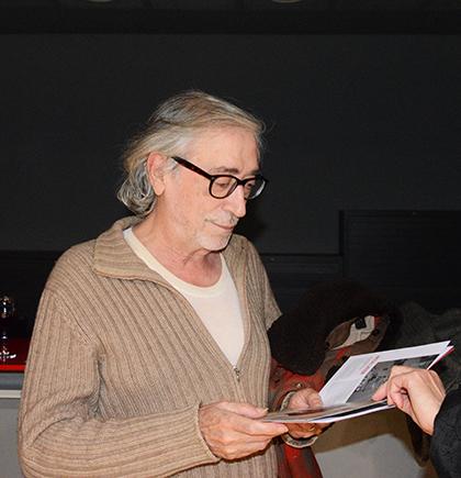 Rencontre avec Luis Rego, acteur, humoriste et musicien portugais qui a évoqué pour nous la fête des amoureux, la Saint-Antoine à Lisbonne