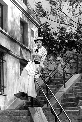 """en 1954, Décor, Tournage du film """"French Cancan"""" Jean Renoir, Françoise Arnoul"""