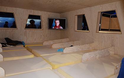 L'intérieur 4X4m avec les couchettes