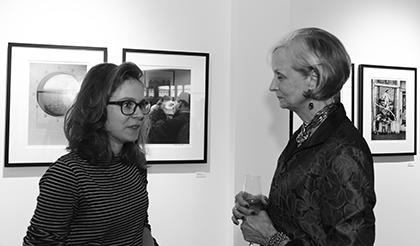 Une rencontre opportune avec Judith Thompson pour cette jeune femme qui découvre après le 104 et la jeune photographie européenne, la photographie américaine d'après guerre.